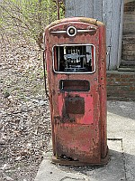 USA - Funks Grove IL - Old Country Store Rusty Gas Pump (9 Apr 2009)